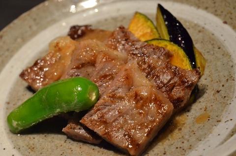 和牛ロース肉のステーキ
