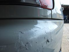 塗装が剥げたバンパー