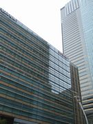 六本木ミッドタウンから東京タワーをバックに記念撮影